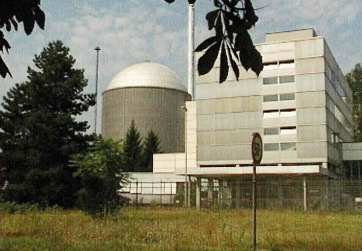 Deutschlands Atomkraftwerke: Forschungsreaktor MZFR Karlsruhe wurde 1966 in Betrieb genommen. Bis zu seiner Abschaltung im Jahr 1984 wurden rund 5 Mio. KWh Strom generiert.