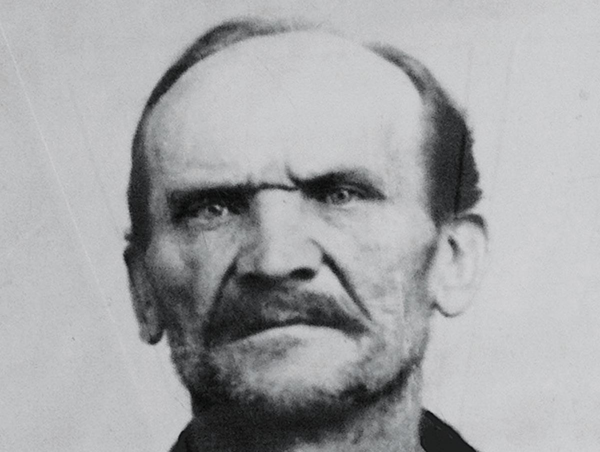 Mugshot von Karl Großmann, dem 26-fachen Serienmörder aus Berlin aus dem Beginn des 20. Jahrhunderts