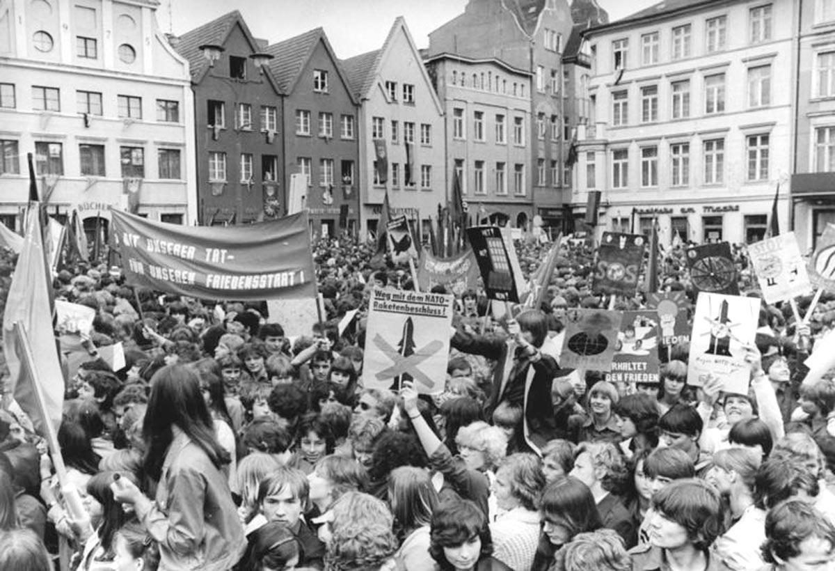 Schweriner Friedensmarsch 1983